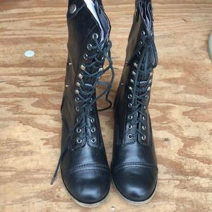 Black lace up and zipper boot